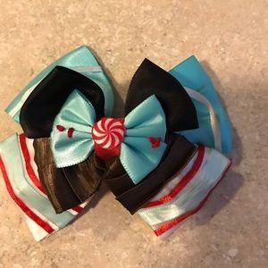 Accessories - Disney's VENELOPE VON SWEET bow